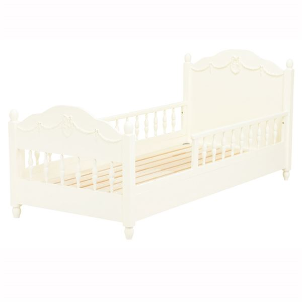 柵付き子供用ベッド
