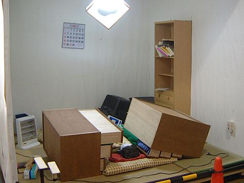 地震で倒れた家具
