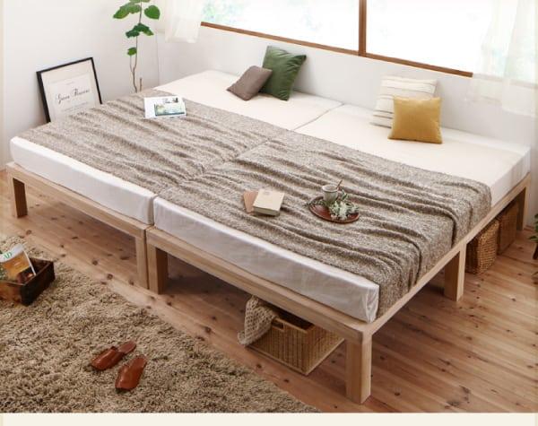 すのこベッドを2台並べている