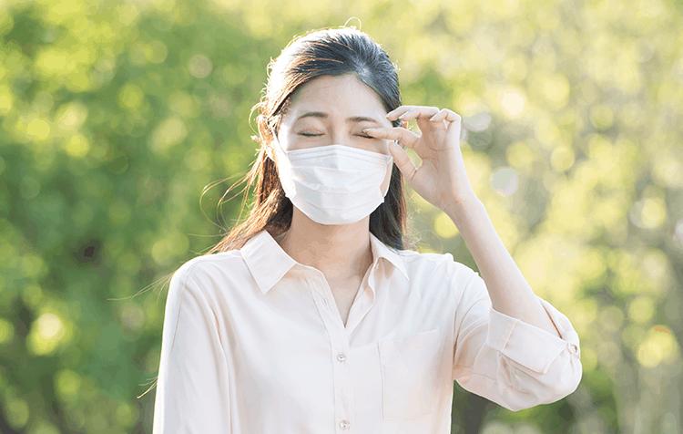 喘息の女性